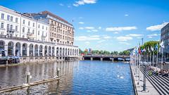 Small Alster in Hamburg (patuffel) Tags: summicron 28mm leica alster alsterarkaden hamburg kleine water jungfernstieg