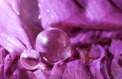 Just Purple ;o) (Elisafox22 catching up again ;o)) Tags: elisafox22 sony nex6 e30mm f35 macro macrolens purple lifeisarainbow hcs clichesaturday crystal balls crystalsphere bokeh silkybokeh dof sash scarf light stilllife indoors elisaliddell©2018