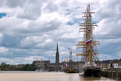 Bordeaux et les grands voiliers_6005 (lucbarre) Tags: bateaux galére galéon bordeaux fête du fleuve gironde france garonne eau