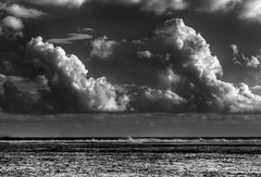 Twin clouds (Robyn Hooz) Tags: nuvole ordine caos clouds sky cielo blackwhite bianconero reunion lareunion dream ordo level