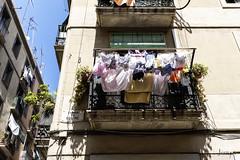 Roba estesa (jorapa) Tags: barcelona ciutatvellaraval fuji fujixt20 raval ravalejant roba laundry bogada bcn