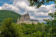 Castle of Vianden (Marco van Beek) Tags: castle building nature old vianden luxemburg veianen europe beautiful world nikon d5000 afs dx nikkor 18200mm f3556g ed vr ii