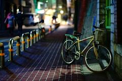 2040/1737: (june1777) Tags: snap street seoul hongdae night light bokeh dark sony a7ii kyocera contax carl zeiss planar 85mm f14 12800 clear