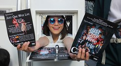 Fringe on the Mile 2018 0122 (byronv2) Tags: justonewiselife asian sunglasses shades glasses young actor performer fringe fringe2018 edinburgh edimbourg edinburghfestival edinburghfestivalfringe edinburghfringe edinburghfringe2018 edinburghfestivalfringe2018 royalmile oldtown peoplewatching candid street woman girl pretty