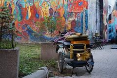 Quartier Uzupis . Vilnius . Lituanie ( camping car d'un musicien Bohême ... ) (Cath.S) Tags: velo streetart