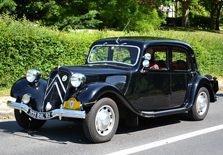 Coming next was a pre-1952 Traction Avant (Maisons-Laffitte 2018-05-27)