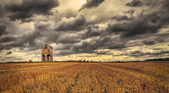Chesterton Windmill (seantindale) Tags: chesterton windmill warwickshire uk olympus omdem5markii clouds sky landscape vast