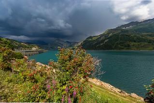 Avant l'orage au  Barrage et lac de Roseland (alt:1557m) -  Massif du Beaufortin – Savoie 07/2018)