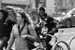Market St Candids 5-21-18 87 (TheseusPhoto) Tags: blancoynegro blackandwhite monochrome bnw street streetphotography streetportrait sanfrancisco marketstreet people candid candids smiling city citylife woman sunglasses hair bike