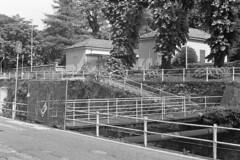 A rischio crollo? (sirio174 (anche su Lomography)) Tags: como ponte ponticello chiuso closed lavori manutenzione lavoriincorso italia italy bridge