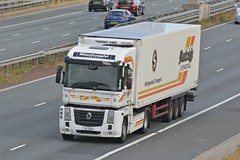 LIG 3241 (panmanstan) Tags: renault magnum wagon truck lorry commercial freight transport haulage vehicle a1m fairburn yorkshire
