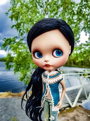 "Happy Sunday!! 💙💚☺💚💙 #blythe #customblythe #customdoll #crochet #crochetdollclothes #crochetblytheclothes #puppelinaeyechips • <a style=""font-size:0.8em;"" href=""http://www.flickr.com/photos/142495299@N04/42259498514/"" target=""_blank"">View on Flickr</a>"