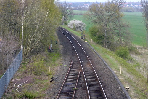 DB Vogelfluglinie: Zurückgebaute Weiche an der nördlichen Ausfahrt des ehemaligen Bahnhofs Sierksdorf