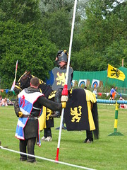 DSCF3836 (SierPinskiA) Tags: ruffordabbeycountrypark rufford knightsofnottingham fujixs1 jousting medieval horse knights goldeneagle falcon