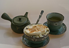 2018 . Sydney: Creamy Rice Pudding (dominotic) Tags: 2018 food dessert drink gingerandlemontea creamyricepudding whippedcream sultanas stilllife cinnamonsugar circle green teapot yᑌᗰᗰy sydney australia