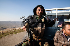 IMG_7949.jpg (Reportages ici et ailleurs) Tags: etatislamique yezidis hpg sinjar ezidis yjastar urbanwar fight city yekineyenberxwedanshengale ybs battle shengal yekineyenparastinagel pkk yannrenoult guerreurbaine peshmerga war isis yannrenoultbataille ypg kurdes kurdistanirakien montagne guerilla kurd ville guerre mountain