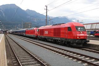 ÖBB 2016 047 + DB 101 048 at Innsbruck Hbf 8 augustus 2018