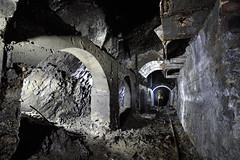 Trémies de chargement et consolidations (flallier) Tags: carrière souterraine ciment prompt traversbanc roulage galerie tunnel silhouette speleo souterrain calcaireargileux cement