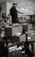 Kostrzyn, August 2018: Braucht wer 'ne Bibel? (killerhippie foto) Tags: bibel haltestellewoodstock küstrin polandrock kostrzynnadodrą lubuskie polen pl