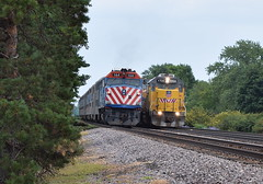 Side Pair | Mount Prospect (Twigy BNSF) Tags: union pacific emd gp151 metra harvard sub