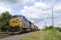 CN 327 (Michael Berry Railfan) Tags: csxt712 gecx7865 cn2274 cn canadiannational cn327 coteaudulac kingstonsub train freighttrain ge generalelectric es44ac es44dc gecx dash840cw dash8
