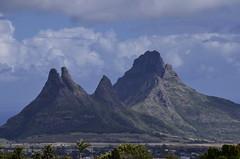 Mauritius was made first, and then heaven (Jam Faz) Tags: mauritius mauricias bj mar twain te 1869 mountains rock pedro mascarenhas diogo rodrigues portuguese discoveries descobertas most beautiful heaven céu paraiso