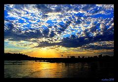 Magic sunset (xicoleao (Thanks to 1 million views)) Tags: soutamerica argentina iguazu clouds sunset river
