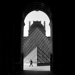 big A (sculptorli) Tags: louvre france paris street contrejour blackandwhite architecture darkness мрак shadow париж франция francia ombra tantino 法国 巴黎 卢浮宫 shade
