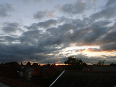 2018_08_030010 (Gwydion M. Williams) Tags: heatwave sunset coventry britain greatbritain uk england warwickshire westmidlands chapelfields sirthomaswhitesroad