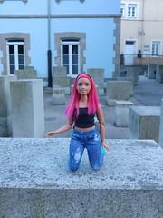 Curvy in Lugo (-nickless-) Tags: lugocapital lugo dollsoutdoors city barbie mtm madetomove curvy articulada