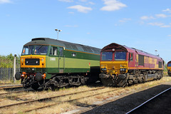 Retro (Treflyn) Tags: twotone green spoon duff shed class 47 d1935 47805 db cargo 66 66063 ews livery retro didcot parkway station