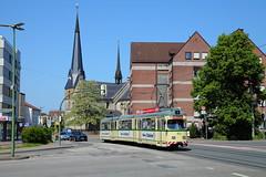 Prachtstück im alten Glanz (trainspotter64) Tags: strasenbahn streetcar tram tramway tranvia tramvaj tramwaje bielefeld düwag gt8 brackwede kirche owl ostwestfalen mobiel
