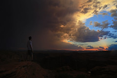 A whole world ahead (alestaleiro) Tags: page tramonto atardecer ocaso sunset sky cielo nubes paradise paisaje landscape arizona aterdecer dusk sol clouds nuvens man standing atonished corage courage coragem sight deserto desert desierto alestaleiro