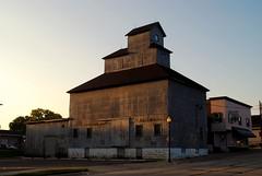 Pecatonica, Illinois Grain Elevator (Cragin Spring) Tags: smalltown rural pecatonica pecatonicail pecatonicaillinois illinois il midwest unitedstates usa unitedstatesofamerica morning grainelevator