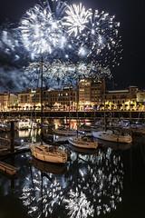 Noche de Fuegos. © Fotografía 2018 (Jesus Portal) Tags: 1740 6d canon6d fuegos2018 gijon nocturnas raw2 jesusportal canon color serie cantabrico mar sea asturias agua water