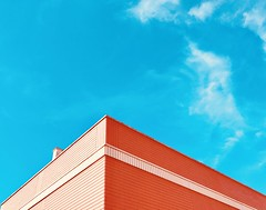 Untitled (marcus.greco) Tags: sky architecture minimal roof colors