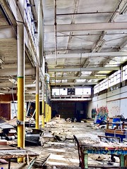 I once naively though this was incredible junked up and a total mess. (neilsharris) Tags: abandonedchicago