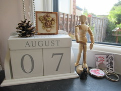 Tuesday, 7th, Feeling the heat IMG_4181 (tomylees) Tags: sunflowers pinecone calendar perpetual essex morning summer august 2018 7th tuesday