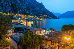 Limone sul Garda (Photography Martin Horvath) Tags: natur wanderlust see lake nature photography outdoor landschaft landscape sony golden hour travel a6000 zeiss europa lens ilce6000 emount objektiv water wasser natural carlzeiss sonya6000 variotessar16704za limonesulgarda italia italien brescia gardasee lagodigarda longexposure limone sonyflickrawardgold night berg