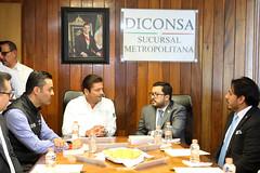 VISITA DEL MINISTRO DE DESARROLLO SOCIAL DE GUATEMALA, CARLOS VELÁSQUEZ MONGE A LA SUCURSAL METROPOLITANA. (diconsa_mx) Tags: metropolitana diconsa desarrollo social sucursal reunión