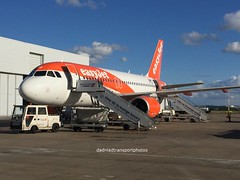 Easy jet - OE-LQS (anthonymurphy5) Tags: a319 airbus pilot easyjet oelqs airbusa319100 liverpoolairport aircraft airport jetphotos planephotography planespotting