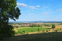 Ronneburger Hügelland (barbmz) Tags: hüttengesäs ronneburgerhügelland landscape landschaft fields felder trees bäume village dorf