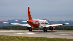 Easyjet A319 G-EZIO UNICEF (Cloudsurfer_UK) Tags: bristolairport airliner airline aircraft easyjet a319 airbus unicef