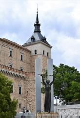 Toledo (Castilla-La Mancha, España, 11-6-2018) (Juanje Orío) Tags: 2018 toledo provinciadetoledo castillalamancha españa espagne espanha espanya spain escultura sculpture patrimoniodelahumanidad worldheritage