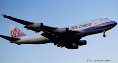 China Airlines Cargo B747 B-18711 (R.Lenes Aviation) Tags: morning early landing eham ams amseham air schiphol roger lenes plane airplane aircraft outdoor jet amsterdam flugzeug luftfahrt fluggesellschaft flughafen flugplatz aeroplane aviation airline airport airfield 飞机 vliegtuig 飛機 飛行機 비행기 самолет avião luchthaven luchtvaart avion aeropuerto aviación aviação aviones linienflugzeug vorfeld apron taxiway rollweg runway startbahn landebahn planespotter planespotting spotter spotting cockpit sky polderbaan cargo chinaairlines china b747 b18711
