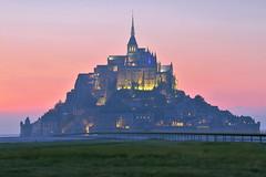 Mont Saint-Michel (hervétherry) Tags: france normandie bassenormandie manche montsaintmichel canon eos 7d efs 18200 mont saintmichel merveille baie coucherdesoleil coucher soleil sunset pose longue long exposure