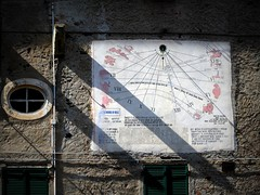 una meridiana molto ricca (fotomie2009) Tags: sundial meridiana san bernardo valle savona liguria italy italia sanbernardoinvalle santuario
