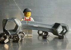Wo rohe Kräfte sinnlos walten (captain_joe) Tags: toy spielzeug 365toyproject lego minifigure minifig legome urlaub holiday fahrrad bicycle bike fahrradtor radtour werkzeug tool handtool