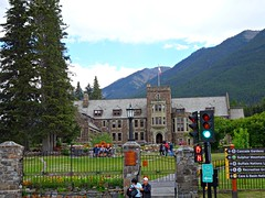 Candid photo in Banff, Alberta (Trinimusic2008 -blessings) Tags: trinimusic2008 judymeikle nature banff alberta july 2018 vacation visitwithpeggyandted travel roadtrip summer canada cascadeoftimegarden flowers tourism sonydschx80 mountains sky people candid town tourists flags cascadegardens signage architecture trafficlights