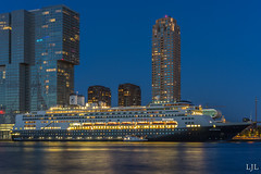 A7ii-1853 (Eljee-) Tags: rotterdam haven avondfotografie msrotterdam city skyscraper water building night skyline sky river architecture cruise cruiseschip schip ship cruiseship